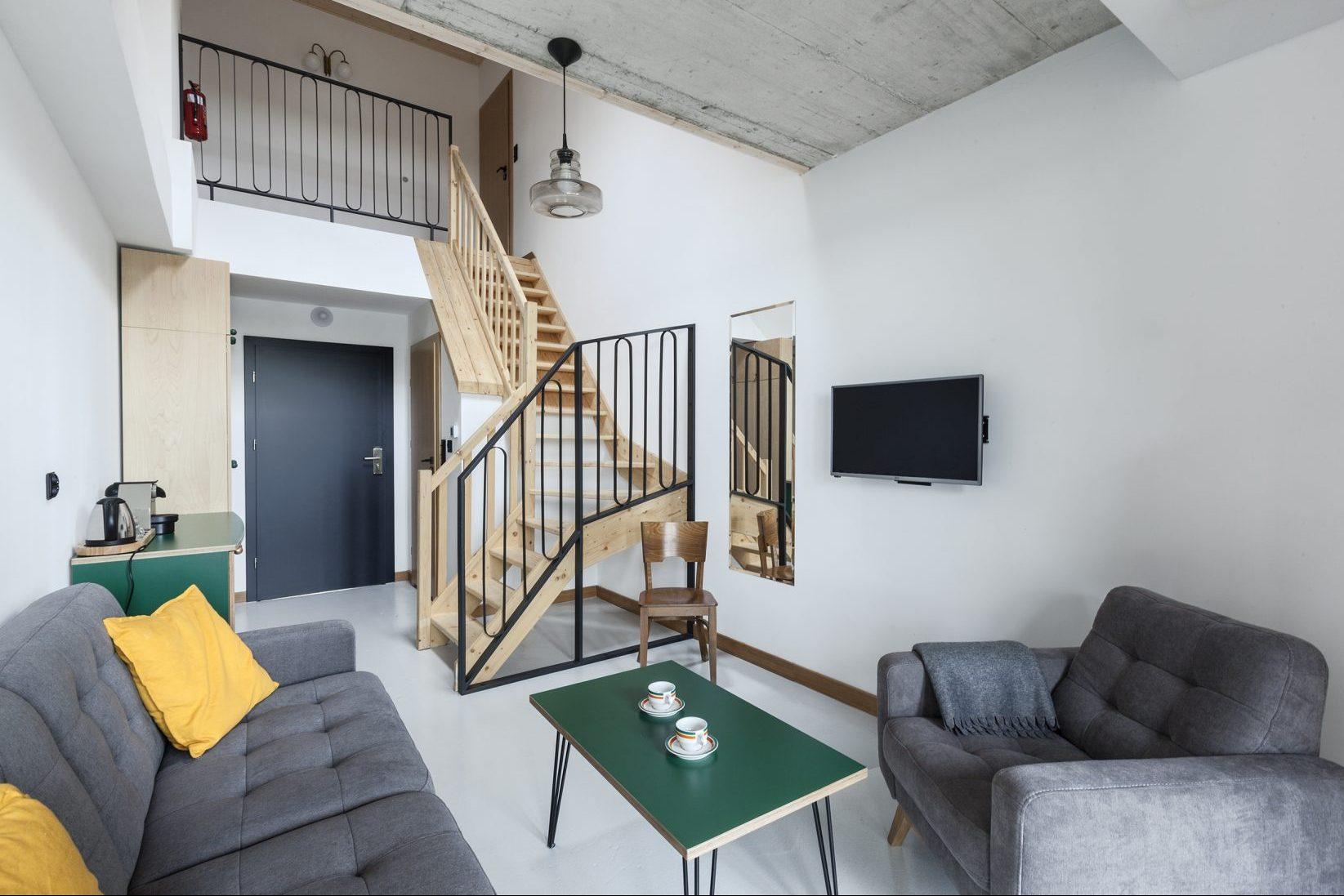 Apartament 3-pokojowy z antresolą i loggią
